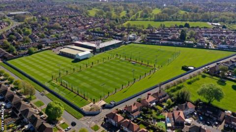 No tackling and disinfected pitches - Premier League training protocols sent to clubs thumbnail