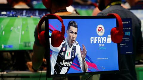 Gamers playing Fifa 19