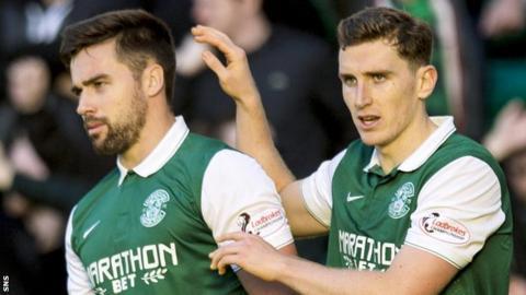 Hibs' Darren McGregor and Paul Hanlon celebrate