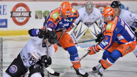 Despite a battling display - and a bus breakdown - Clan lost 3-2 at Sheffield Steelers on Sunday