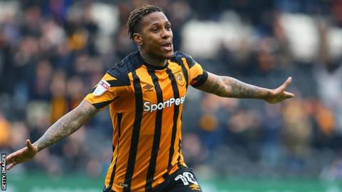 Abel Hernandez confirms he's available on a free transfer