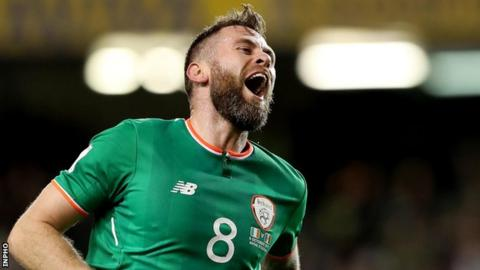 Daryl Murphy celebrates after scoring his second goal against Moldova