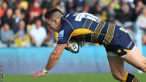 Josh Adams crosses for Worcester's sixth try against Bristol