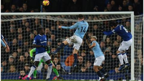 Aymeric Laporte scores for Manchester City against Everton