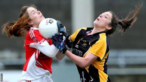 Cathriona McConnell (left) battles with Mourneabbey's Ciara O'Sullivan at Parnell Park
