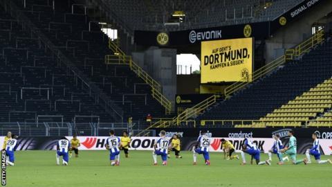 Borussia Dortmund and Hertha Berlin players