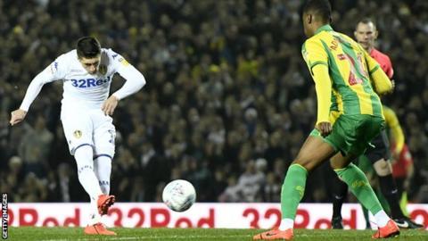Pablo Hernandez scores for Leeds