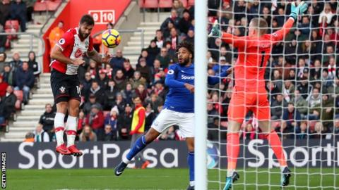 Charlie Austin's two goals helped Southampton move up to 10th in the Premier League