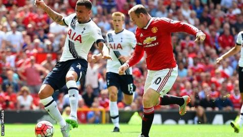Kyle Walker scores an own goal to gift Manchester United the lead