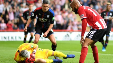 David McGoldrick misses a chance for Sheffield United