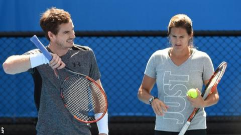 Murray and Mauresmo agreed to split because she could not commit enough time to travelling
