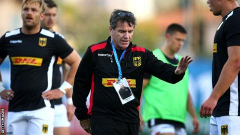 Mike Ford coaching the Germany national team