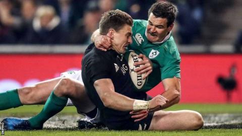 Beauden Barrett scores New Zealand's second try despite Johnny Sexton's efforts