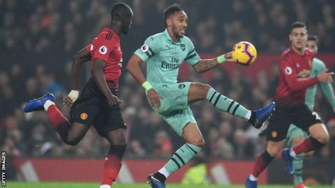 96339a9cfd4 FA Cup fourth-round draw  Arsenal host Man Utd - BBC Sport