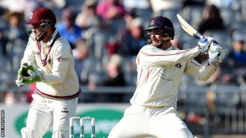 Somerset wicketkeeper Steven Davies witnesses a second half-century of the match for Lancashire's stand-in skipper Liam Livingstone