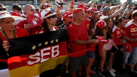 Vettel fans