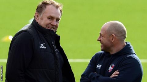 Dean Richards chats to Richard Cockerill when he was Leicester directopr of rugby