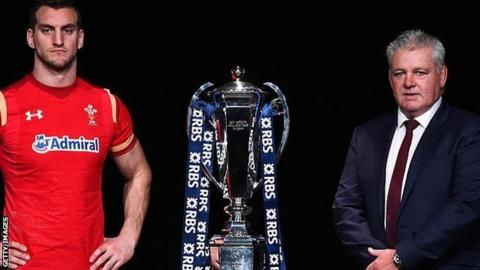 Sam Warburton and Warren Gatland with the Six Nations trophy