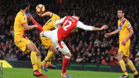 Olivier Giroud scores for Arsenal