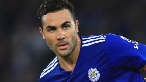 Vicente Iborra playing for Leicester