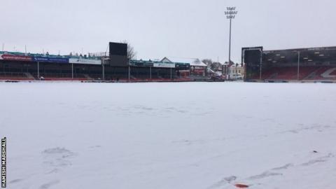 Snow at Kingsholm
