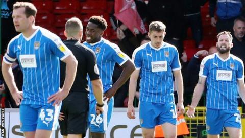 Notts County players look dejected