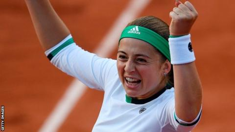 Jelena Ostapenko beats Caroline Wozniacki at French Open