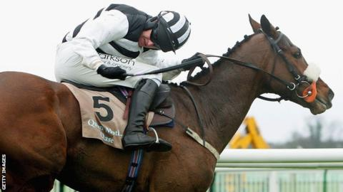 Barry Geraghty rides Moscow Flyer to victory in the Champion Chase at Cheltenham 2005