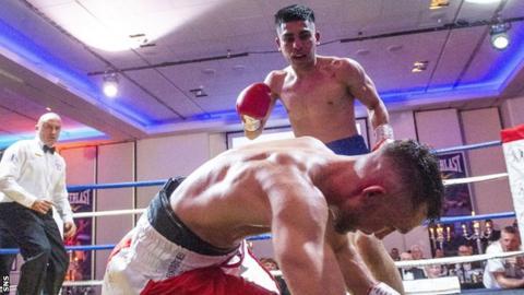 Kash Farooq stops Kyle Williams