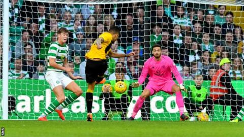 Viktor Klonaridis scores for AEK Athens against Celtic