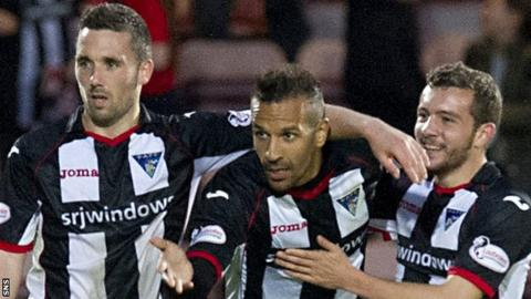 Farid El Alagui (centre) celebrates for Dunfermline