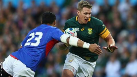 Jean de Villiers carries the ball against Samoa