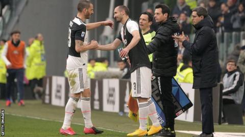 Giorgio Chiellini replaced Leonardo Bonucci with 12 minutes left