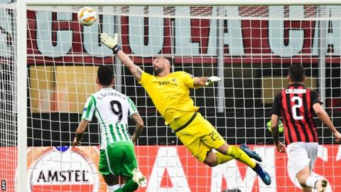 Former Liverpool keeper Pepe Reina is beaten from distance by Giovani Lo Celso, who is on loan from Paris St-Germain