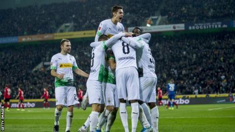 Borussia Monchengladbach เฉลิมฉลองกับ Freiburg