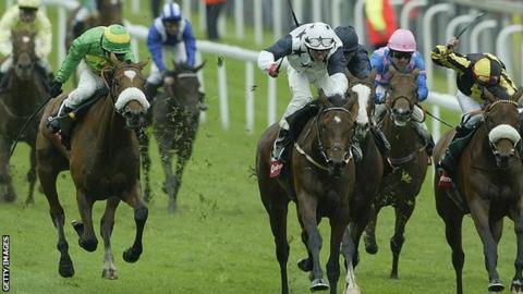 Casual Look wins the 2003 Epsom Classic