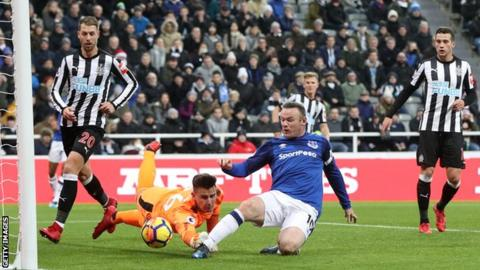Wayne Rooney scores his ninth goal of the season