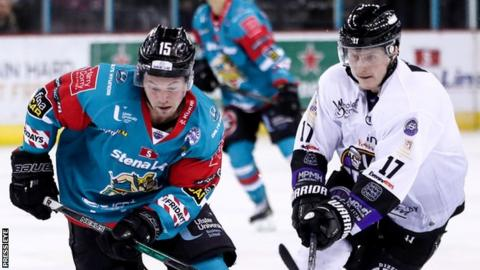 Darcy Murphy and Michal Gutwald in action during the Giants' 5-3 defeat by Braehead Clan