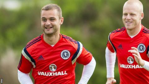 Shaun Maloney and Steven Naismith in training with Scotland