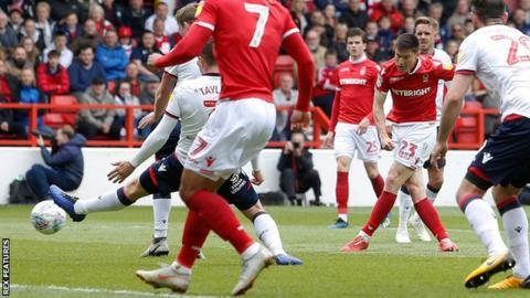 Joe Lolley scores for Nottingham Forest