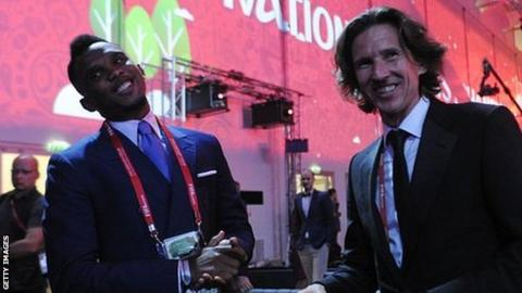 Cameroon's Samuel Eto'o (left) and Russia's Alexei Smertin (right)