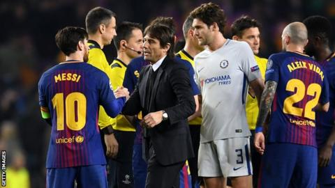 Antonio Conte greets Lionel Messi at the final whistle.