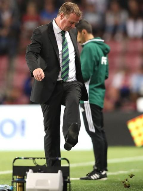 Northern Ireland manager Michael O'Neill kicks the ground in frustration during the 0-0 draw in Prague
