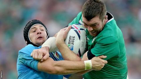 Ireland's Peter O'Mahony carries the fight to Italy in Sunday's World Cup tie