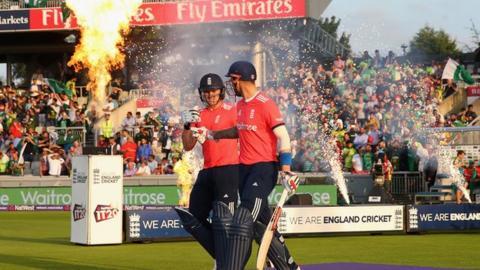 England's Alex Hales and Jason Roy