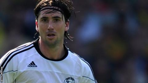 Shaun Barker in action for Derby County