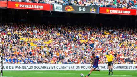 Super League: Catalans Dragons beat Wigan Warriors 33-16 in Barcelona