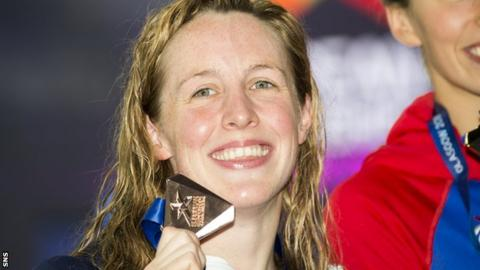 Hannah Miley shows off her bronze medal at the European Championships