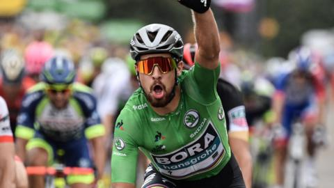 Peter Sagan celebrates victory on stage 13