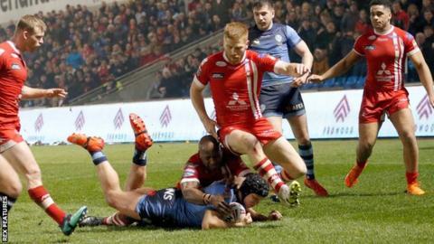 Jonny Lomax scores